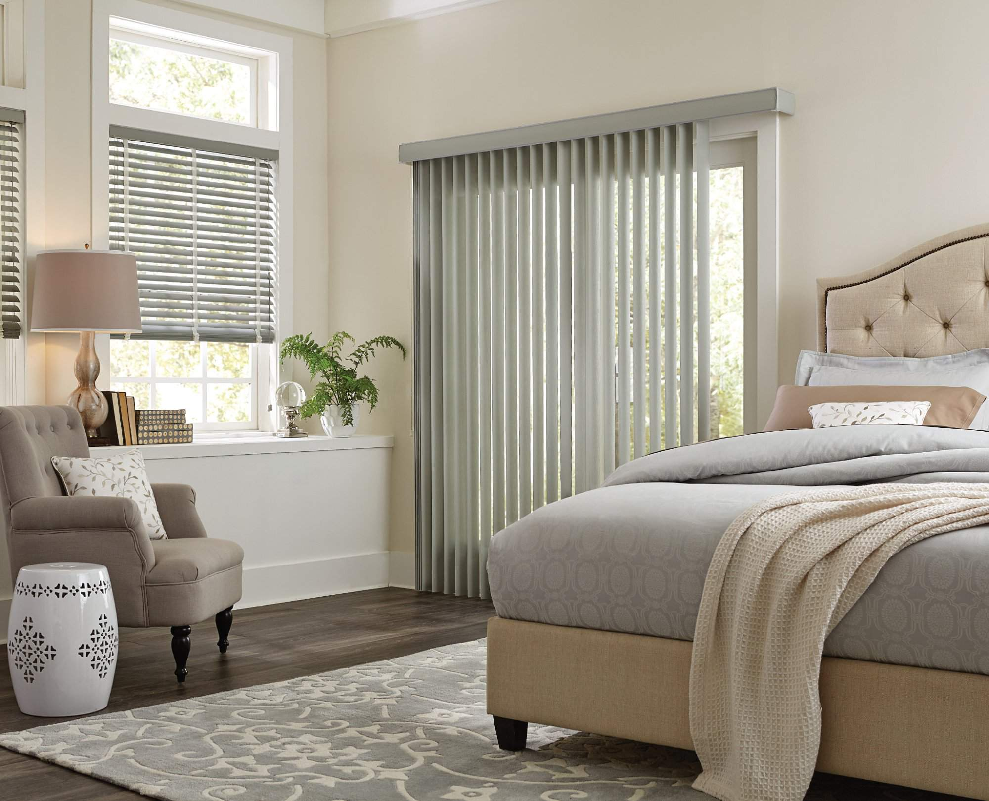 Vertical Blind with Wand Control Fiber, Pebble